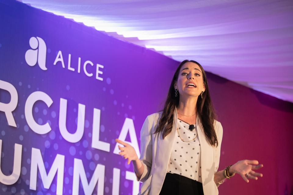 Mastercard And Hello Alice Team To Close The Resource Gap For Women Entrepreneurs